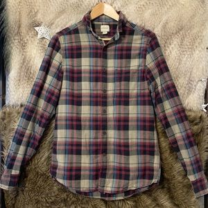 G.H Bass & Co. Plaid Button Down Long Sleeve Shirt